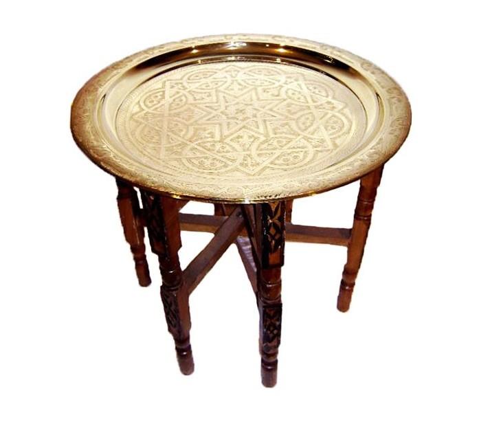 plateau marocain cuivr tr pied en bois au palais des. Black Bedroom Furniture Sets. Home Design Ideas