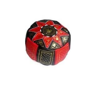 Pouf Marocain cuir traditionnel noir et rouge