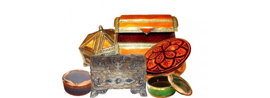 coffres de rangement marocains a prix bas au palais des nomades. Black Bedroom Furniture Sets. Home Design Ideas